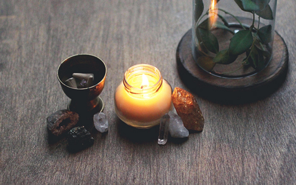 http://diybytiffany.com/wp-content/uploads/2015/02/How-to-Make-Massage-Candles-960x600_c.jpg