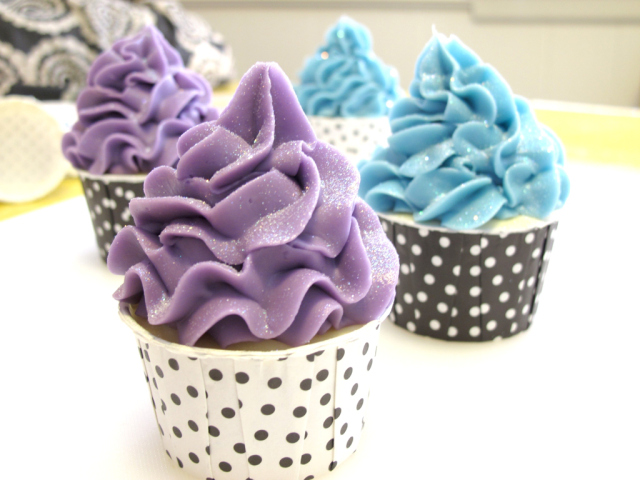 http://diybytiffany.com/wp-content/uploads/2015/02/Piping-Soap-Cupcakes.jpg