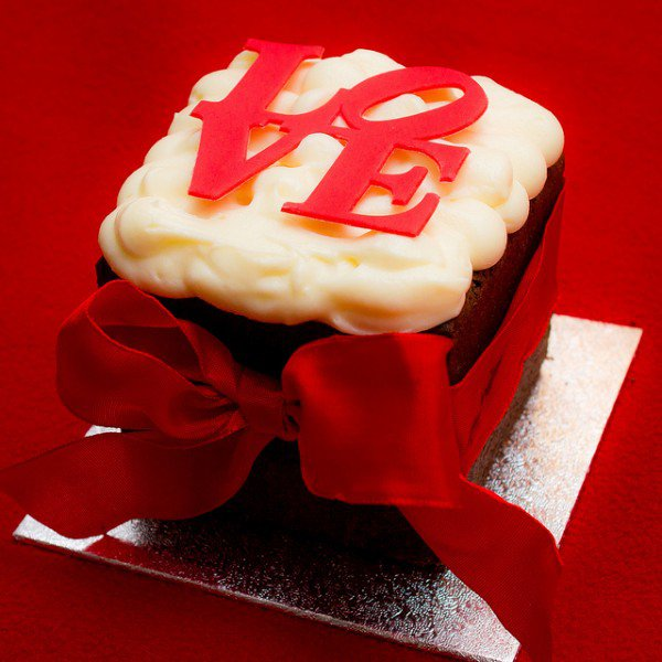 http://diybytiffany.com/wp-content/uploads/2015/02/Square-Valentines-Day-Cupcakes.jpg-e13582007356661.jpg