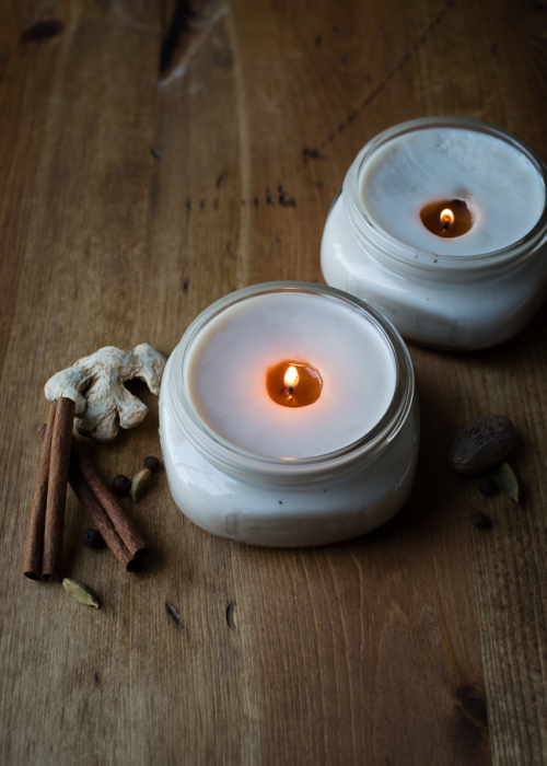 https://diybytiffany.com/wp-content/uploads/2015/02/DIY-Pretty-Chai-Candles-in-Canning-Jars.jpg