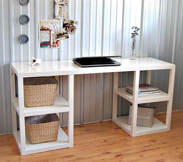 https://diybytiffany.com/wp-content/uploads/2015/02/Parsons-style-modern-DIY-desk1.jpg